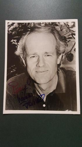 Mike Farrell autographed Photograph - coa - 7
