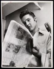 """1956 Elvis Presley, King of Rock n Roll. Orig Type 1 Photo, 6.5"""" x 8.5"""" PSA/DNA"""