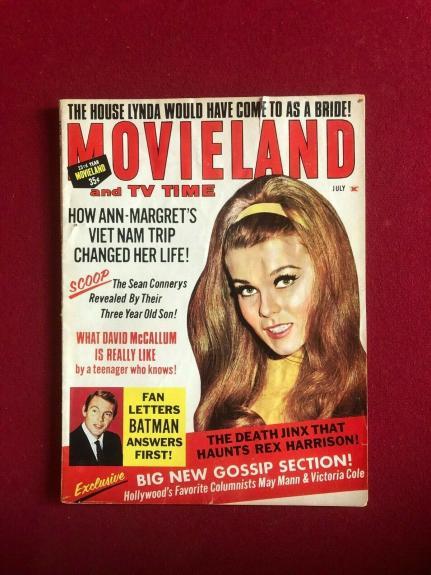 "1967, BATMAN, ""MOVIELAND"" Magazine (No Label) Scarce / Vintage"
