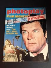 """1977 James Bond, """"The Spy Who Loved Me"""", Roger Moore Photoplay Magazine No Label"""