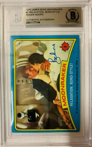 ROGER MOORE Signed 1979 Topps James Bond trading card #2 Moonraker BAS Authentic