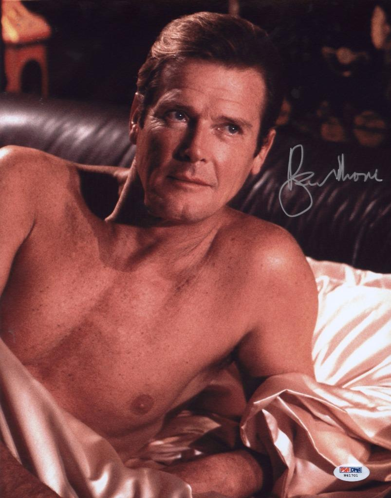 Roger Moore Signed 11x14 Photo Auto Psa/dna W41701