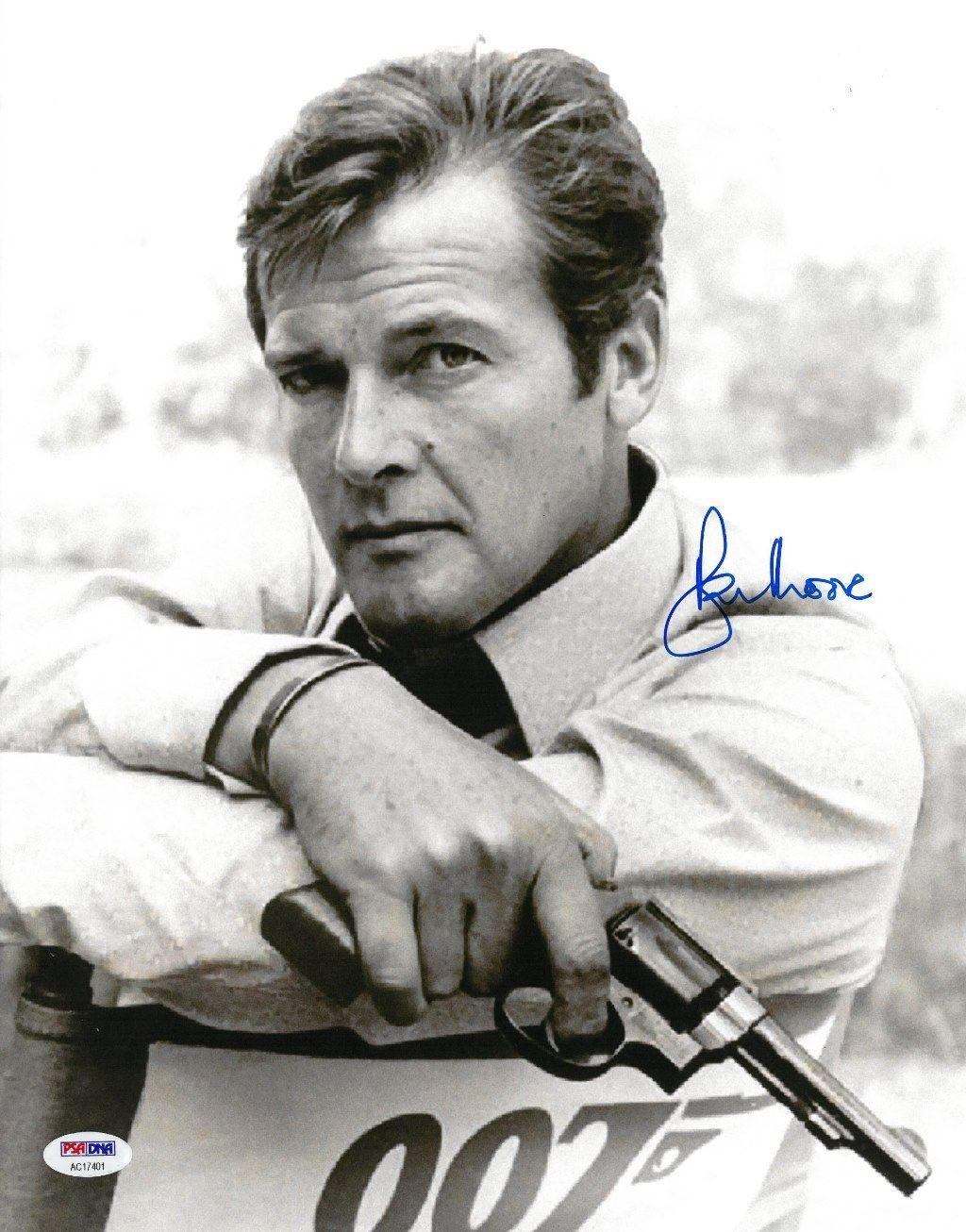 Roger Moore Signed James Bond Autographed 11x14 B/W Photo PSA/DNA #AC17401