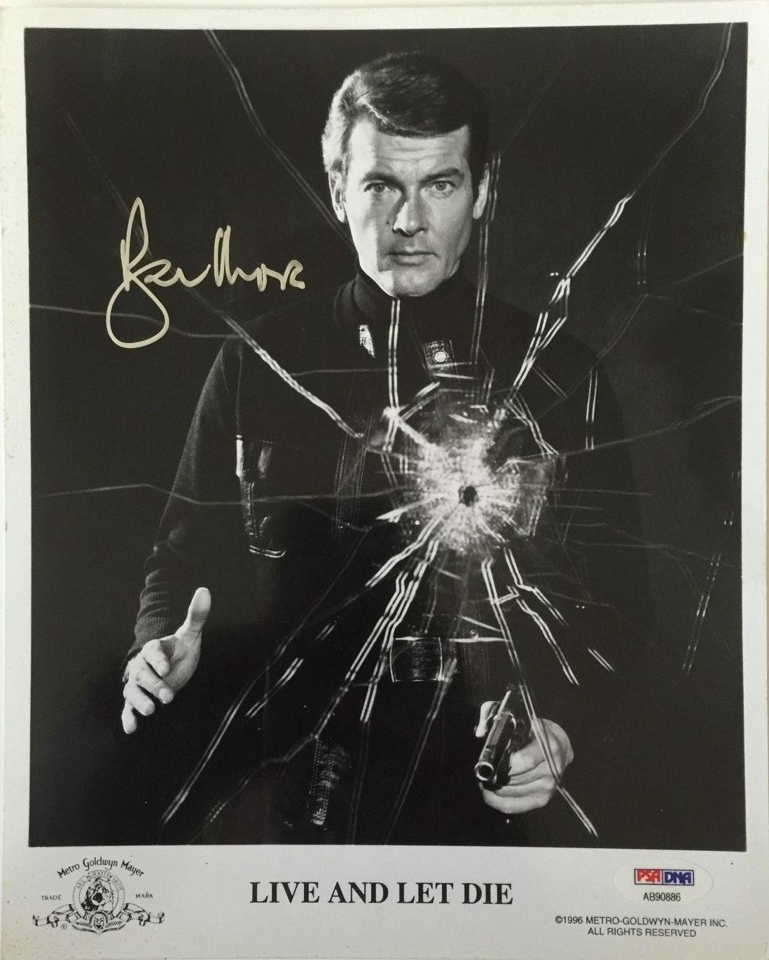 ROGER MOORE Signed JAMES BOND 007! Live and Let Die Movie 8x10 Photo PSA/DNA COA