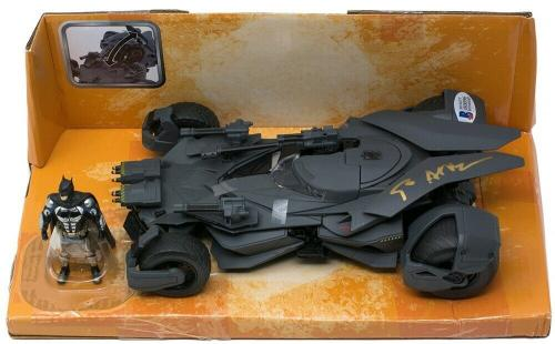 Ben Affleck Signed Batman Justice League Metals Die Cast 1:24 Batmobile BAS