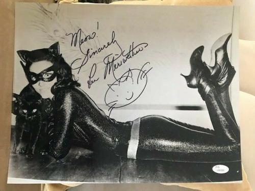 LEE MERIWETHER HAND SIGNED 11x14 PHOTO     SEXY POSE AS BATMAN'S CATWOMAN    JSA