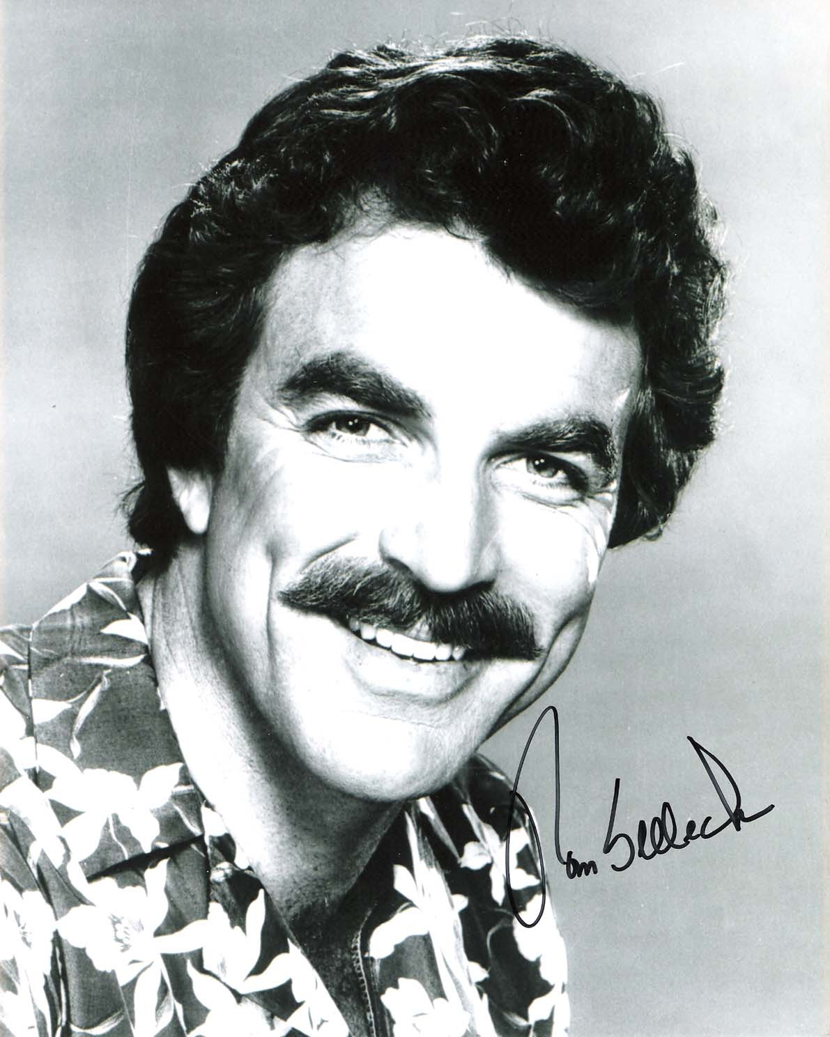 TOM SELLECK - Best Known as PRIVATE INVESTIGATOR THOMAS MAGNUM in TV Series