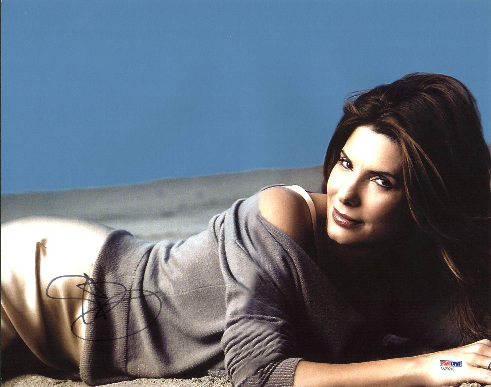 Sandra Bullock Sexy Signed 11X14 Photo Autographed PSA/DNA #AA20216