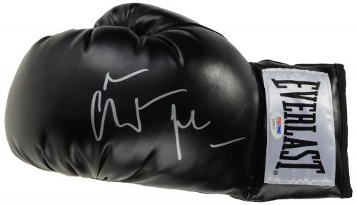 Christian Bale Autographed Black Everlast Boxing Glove - PSA/DNA