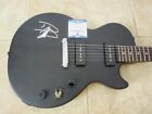 Dave Grohl Foo Fighters Nirvana Signed Autographed Guitar BAS Beckett Certified