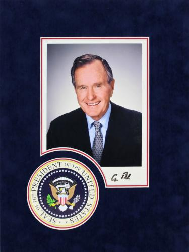 George H.W. Bush Signed 8x10 Matted photo Autographed BAS #A72832