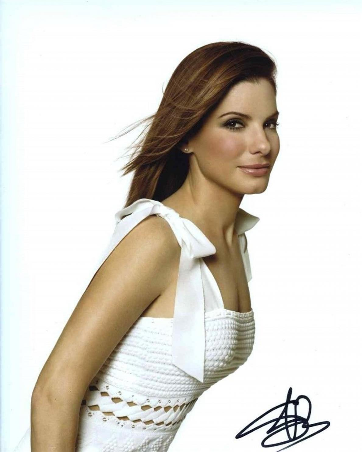 Sandra Bullock Great Autographed Signed 8x10 Photo Certified Authentic PSA/DNA