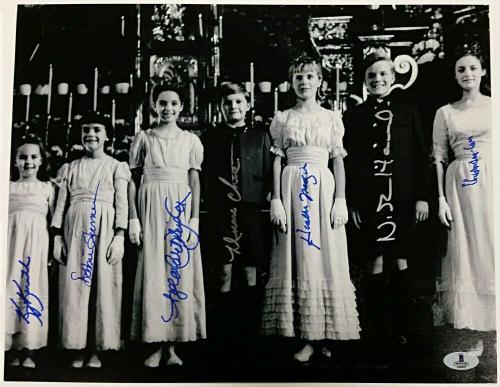 SOUND OF MUSIC Cast Signed 11x14 Photo (7) Autos Image #10 w/ Beckett BAS COA
