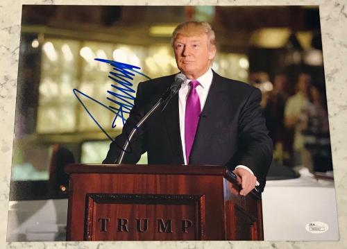 45th President Donald Trump Make America Great Again Signed 11x14 Photo JSA COA