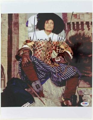 Michael Jackson Signed 11X14 Photo King Of Pop PSA/DNA #I09847