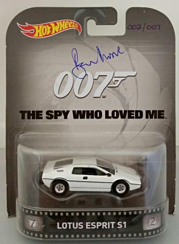 ROGER MOORE Signed James Bond 007 LOTUS ESPRIT S1 Hot Wheel #'ed /007 PSA