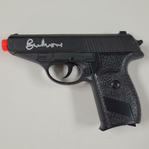 ROGER MOORE Signed JAMES BOND 007 model Airsoft Gun Autograph PSA/DNA COA Auto