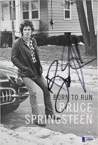 Bruce Springsteen Signed Born To Run 1st Edition Paperback Book BAS #A88690