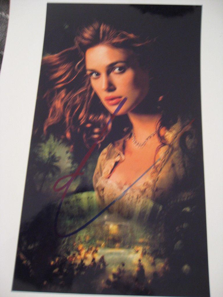 KEIRA KNIGHTLEY SIGNED 8x10 PIRATES OF THE CARIBBEAN I