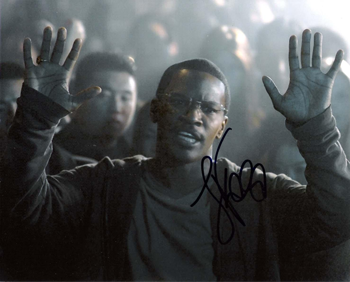 """JAMIE FOXX - Gained Fame in Movies """"RAY"""" and """"COLLATERAL"""" Signed 10x8 Color Photo"""