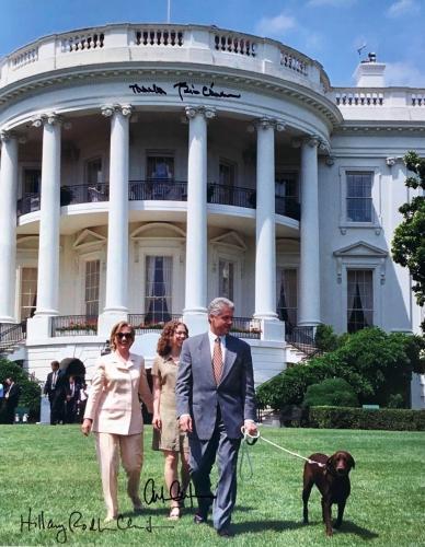 Bill Hillary Chelsea Clinton (White House Lawn) 11x14 Signed Photo JSA