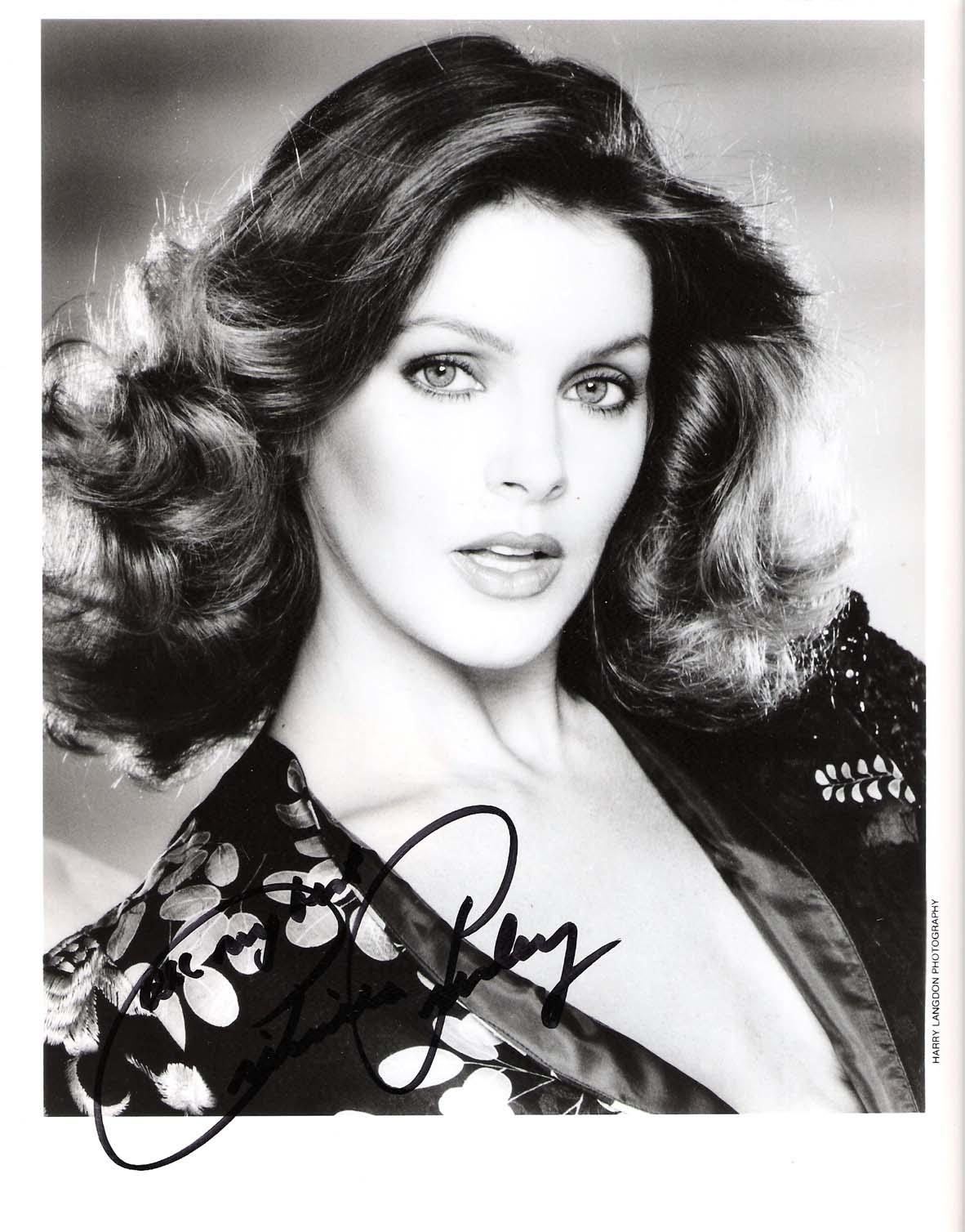 """PRISCILLA PRESLEY - Best Known for her Role in the """"NAKED GUN"""" Films and TV Series """"DALLAS"""" Signed 8x10 B/W photo"""