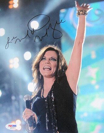 Martina McBride Signed Country Music Star 8x10 Photo PSA/DNA