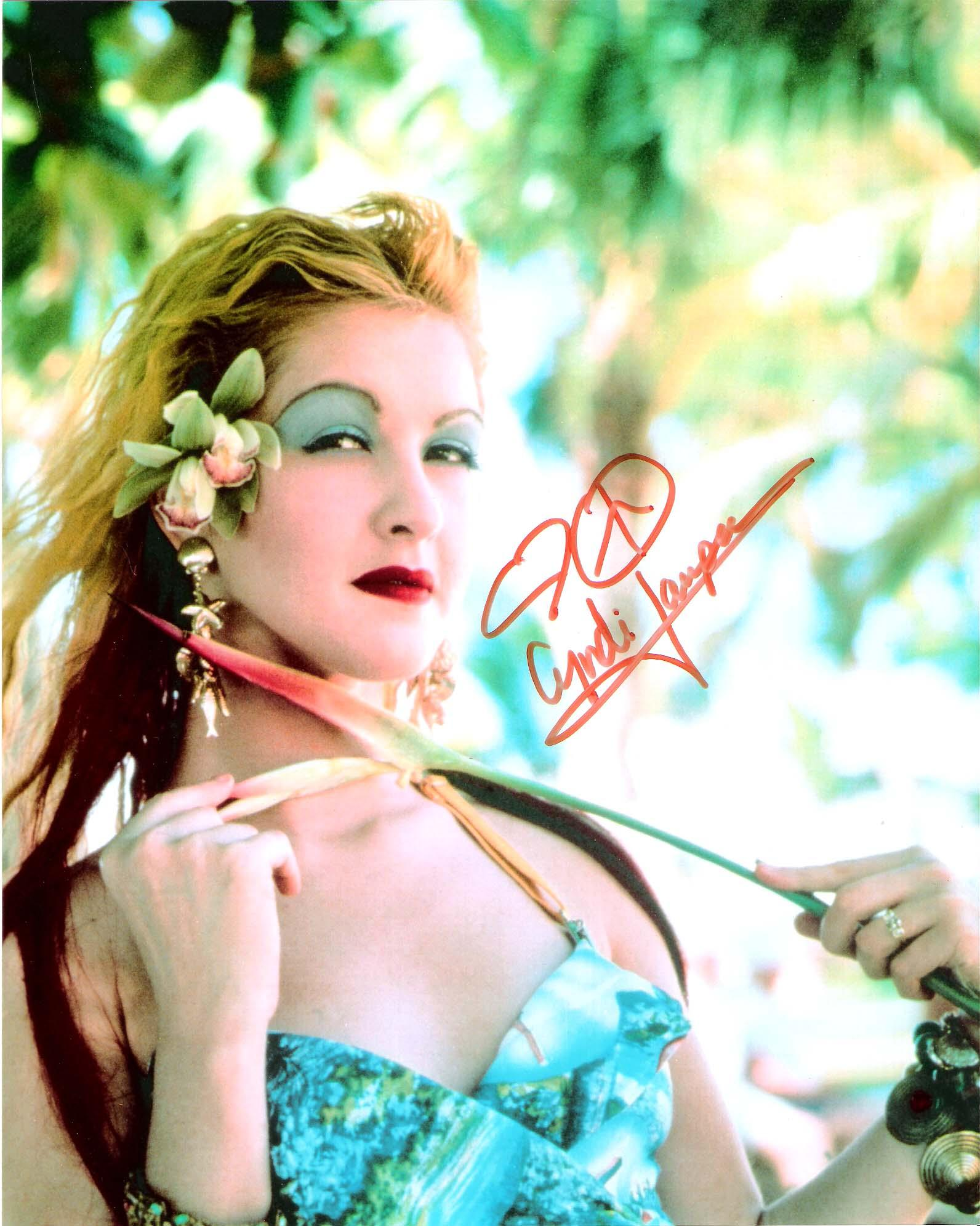 """CINDY LAUPER (SINGER/SONGWRITER) Hits Include """"TIME AFTER TIME"""" and """"TRUE COLORS"""" Signed 8x10 Color Photo"""