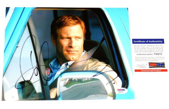 Aaron Eckhart Autographed 8x10 Color Photo (the Dark Knight) Psa/dna!