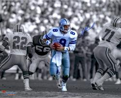 Troy Aikman Dallas Cowboys Autographed 16'' x 20'' Spotlight Scramble Photograph - Mounted Memories