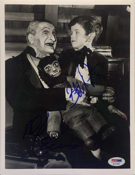 Al Lewis And Butch Patrick Signed Munsters 8x10 Photo PSA AC21428