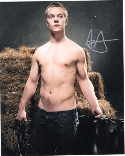 Alfie Allen signed Game of Thrones 8x10 Photo w/COA Theon Greyjoy #4