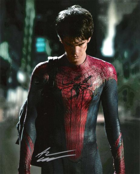 """ANDREW GARFIELD as SPIDER - MAN/PETER PARKER in """"THE AMAZING SPIDER - MAN"""" Signed 8x10 Color Photo"""