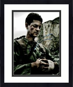 Andrew Garfield Signed - Autographed Hacksaw Ridge 8x10 inch Photo - Guaranteed to pass BAS as Desmond Doss