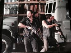 """ANDREW LINCOLN NORMAN REEDUS SIGNED AUTOGRAPH """"WALKING DEAD"""" GUNS 8x10 PHOTO COA"""