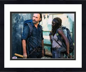 Andrew Lincoln Signed 'The Walking Dead' 11x14 Photo PSA AE81708