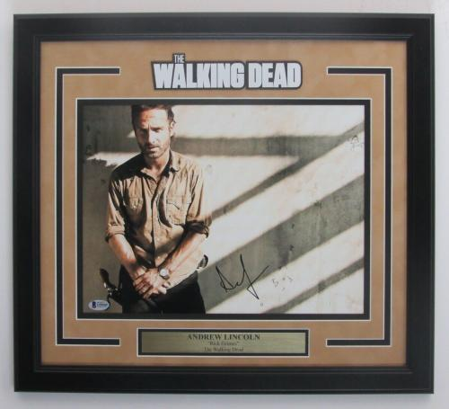"""Andrew Lincoln """"The Walking Dead"""" Signed 11x14 Photo Framed Beckett 146883"""