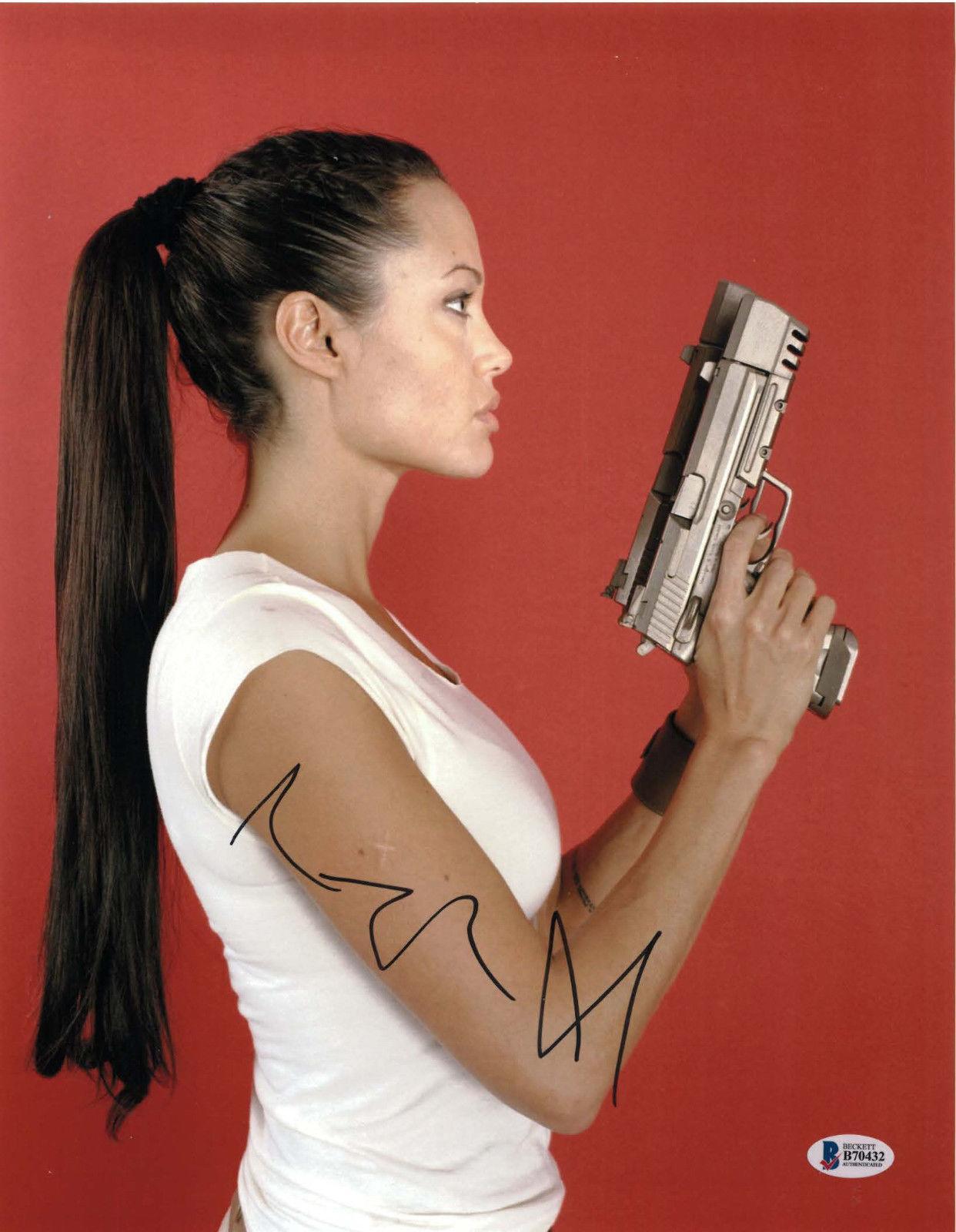 Halloween Party ☝️ Lara Croft (Angelina Jolie) in Tomb