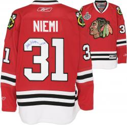 "Antti Niemi Autographed Jersey Chicago Blackhawks with ""Cup 2010"" Inscription - Mounted Memories"
