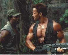 "ARNOLD SCHWARZENEGGER as DUTCH in 1987 Movie ""PREDATOR"" Signed  10x8 Color Photo"