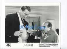 Arnold Schwarzenegger Danny DeVito Junior Press Photo