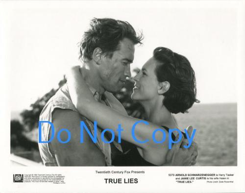 Arnold Schwarzenegger Jamie Lee Curtis True Lies Original Press Movie Photo