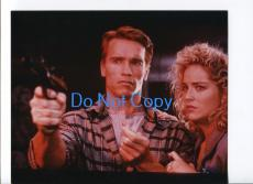 Arnold Schwarzenegger Sharon Stone Total Recall Photo