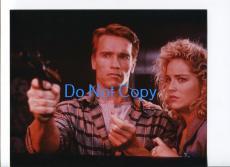 Arnold Schwarzenegger Sharon Stone Total Recall Glossy Photo