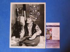 ARTE JOHNSON SIGNED 7x9 NBC TV CAPTION PHOTO ~ JSA L12191 ~ RARE PHOTO TWILIGHT