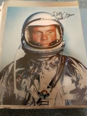 """Astronaut John Glenn Hand Signed Autographed Color Photo """"to Kelly"""