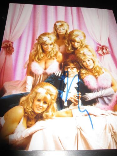 Autographed Myers Photograph - 8x10 AUSTIN POWERS PROMO IN PERSON COA H