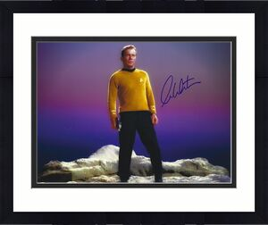 AUTOGRAPHED William Shatner Star Trek 8x10 photo