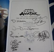Avatar Last Airbender signed auto 2013 Comic-Con SDCC exclusive hardcover book