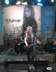 Avril Lavigne Signed Authentic Autographed 11x14 Photo (PSA/DNA) #V24285